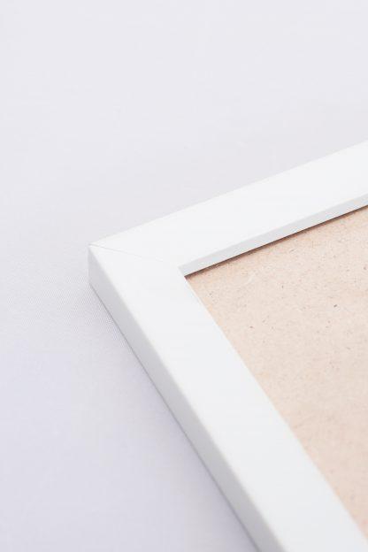 White frame close up